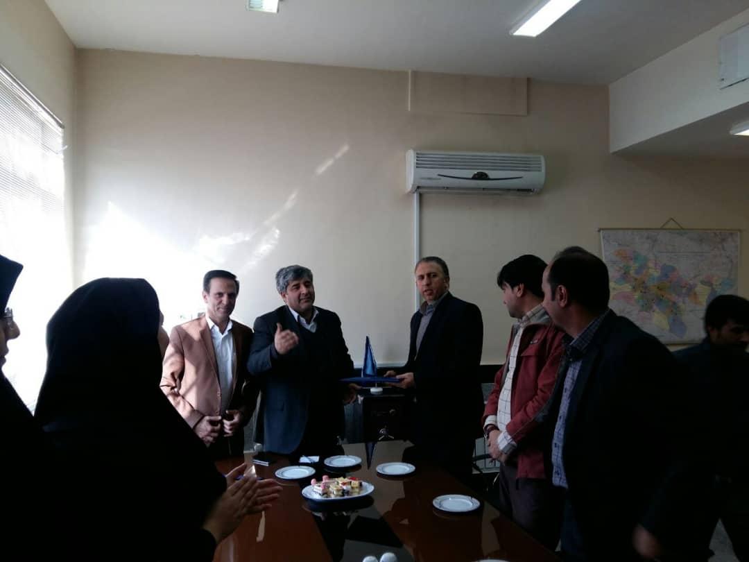 http://tehran.pnu.ac.ir/Portal/picture/?1406595/J